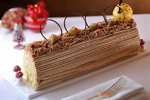 Decoration buche de noel un dessert authentique for Salle de bain design avec décoration de buche de noel comestible