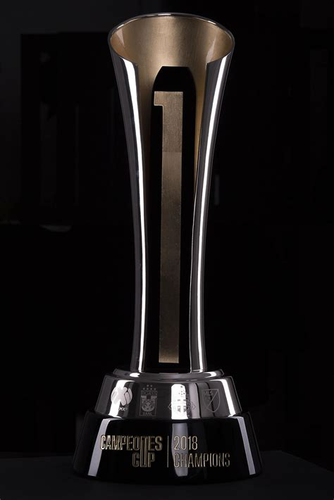 Campeones Cup 2018: Presentan el trofeo de la Campeones ...