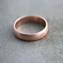 gold mens wedding bands gold 39 s wedding band brushed matte 39 s 5mm