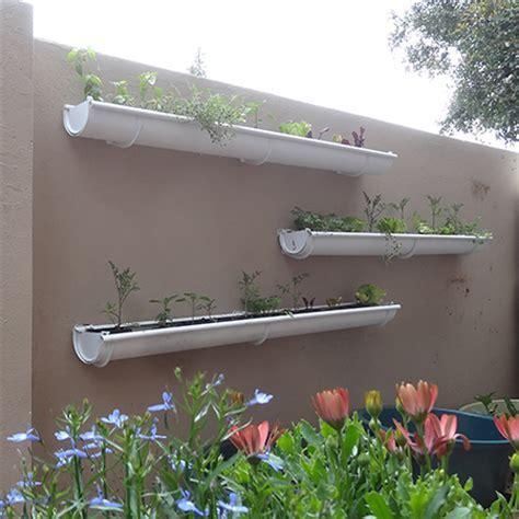 HOME DZINE Garden Ideas   Adding a herb and veggie gutter