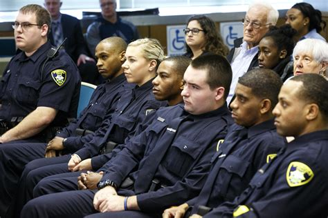 Springfield police contract headed to binding arbitration ...