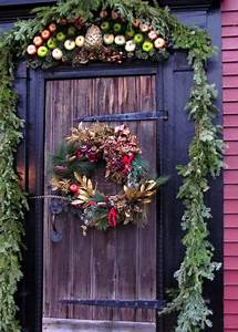 21, Extravagant, Christmas, Decorations, For, Your, Front, Door