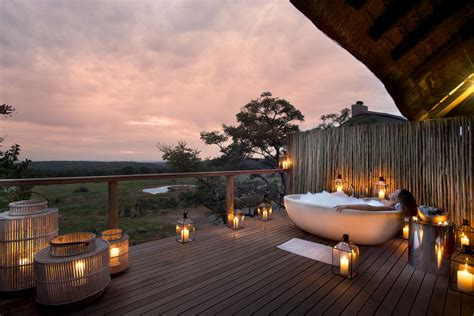 luxury outdoor showers  bath tubs  safari exclusive