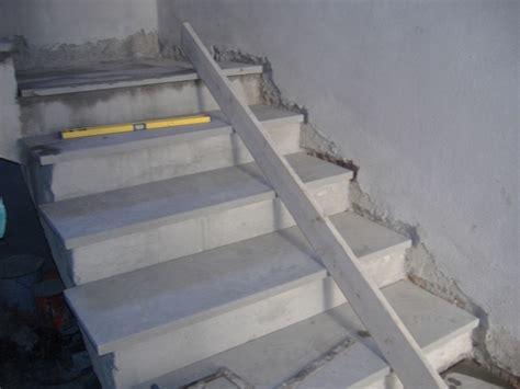 rivestire una scala in legno come rivestire una scala con gradini in marmo o pietra