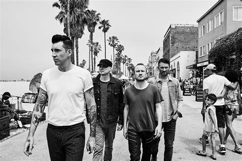 Theory Of A Deadman Announce New Album 'wake Up Call