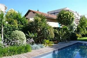 piscine terrasse en bois amenagement paysager avec de With amenagement d une piscine 1 rambaud paysages creations