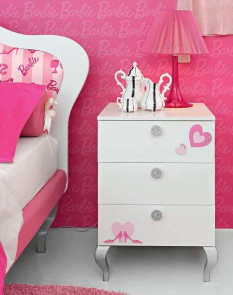 Cute And Beauty Barbie Pink Bedroom Design For Teenager