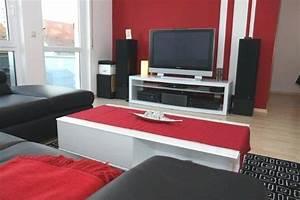 Schlafzimmer Beispiele Farbgestaltung : streifen wand beispiele ~ Markanthonyermac.com Haus und Dekorationen