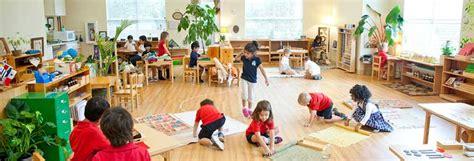 montessori vs traditional education what s the 494 | Montessori Classroom