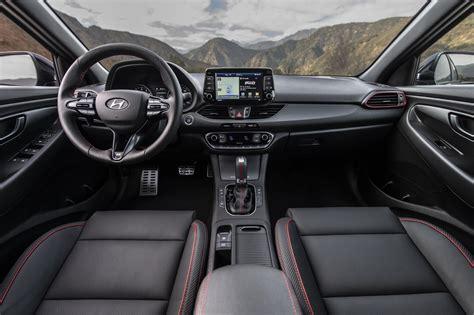 Mar 18, 2020 · hyundai elantra n line defines affordable fun. Hyundai Elantra GT N Line: Sporty Looks, Tight Handling ...