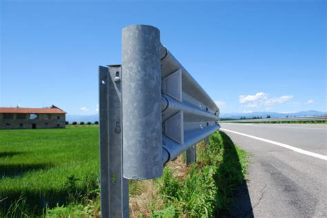 tennessee plans  replace deadly  lite guardrails