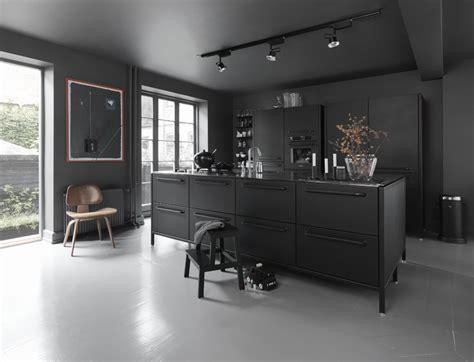 cuisine et couleurs arras ideen für eine schwarze küche planungswelten