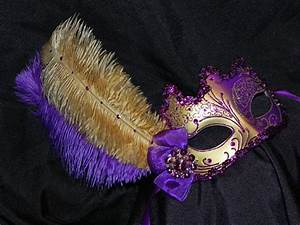 Masquerade Mask in Purple and Gold
