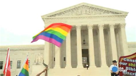 Reporter inside the Courtroom for #SCOTUSmarriage ruling
