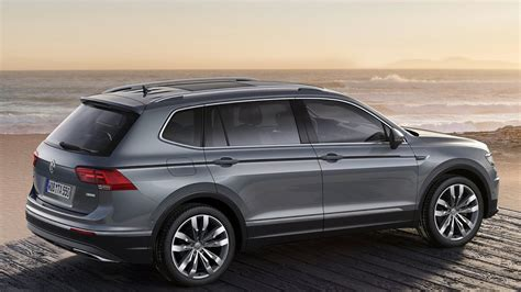 Revised design, new control and assist systems, new premium features such as interactive iq.light led matrix headlights and touch panels to control the standard automatic air conditioner take the volkswagen tiguan allspace to the next level. Com 5 lugares Tiguan AllSpace vem ai, projeto da ...