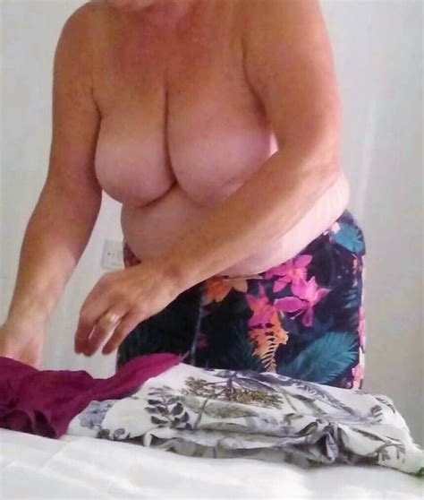 Shy Granny Jayne 68yrs Unknowingly Showing Her Juicy