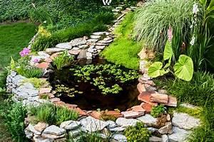 Kleiner Bachlauf Garten : nat rlich sch ner kleiner teich im garten wohnidee by woonio ~ Michelbontemps.com Haus und Dekorationen
