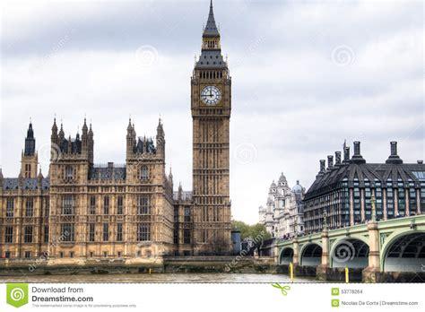 tour des chambres chambres du parlement avec la tour de big ben et de pont