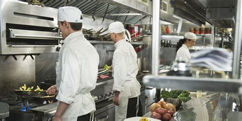 kitchen cuisine chef shortage in restaurant kitchens service