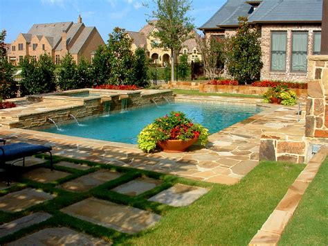 backyard pool landscaping pictures back yard swimming pool designs