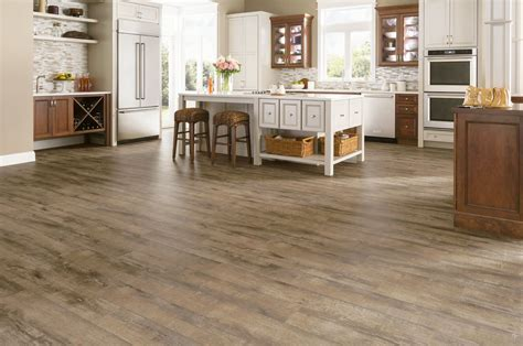 Armstrong Rustics Oak Etched Light Brown 12mm Laminate