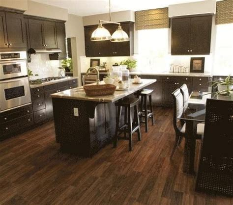 laminate flooring kitchen cabinets 51 best images about laminate floors on 8871