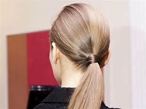 Coiffure Queue De Cheval : 10 coiffures parfaites pour les cheveux fins so busy girls ~ Melissatoandfro.com Idées de Décoration