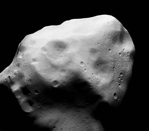 Bus-sized asteroid zips by Earth - Clubhouse News