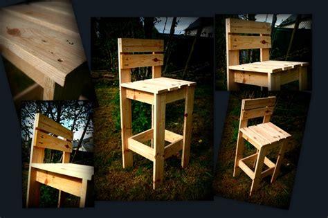 Chaise Longue Fabriqué Avec De La Palette De Chaise De Bar En Bois De Palette Récup