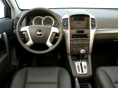 chevrolet captiva interior camioneta o suv con 3 filas de asientos