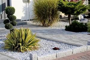 Bilder Von Steingärten : steingarten bepflanzen sch ne auswahl an geh lzen blumen co ~ Indierocktalk.com Haus und Dekorationen