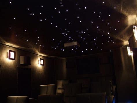 plafond chambre étoilé etoiles fluorescentes plafond chambre maison design