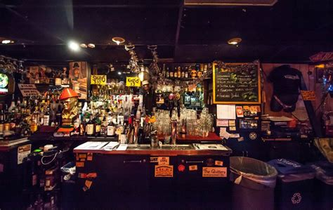 Bar Dive by Our Favorite Dive Bars Around The World Photos Huffpost