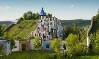 friedensreich hundertwasser architektur file hotel therme rogner bad blumau kunsthaus jpg wikimedia commons