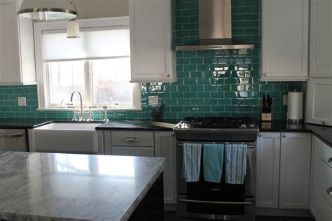 subway glass tile backsplash Kitchen Traditional with 3 x