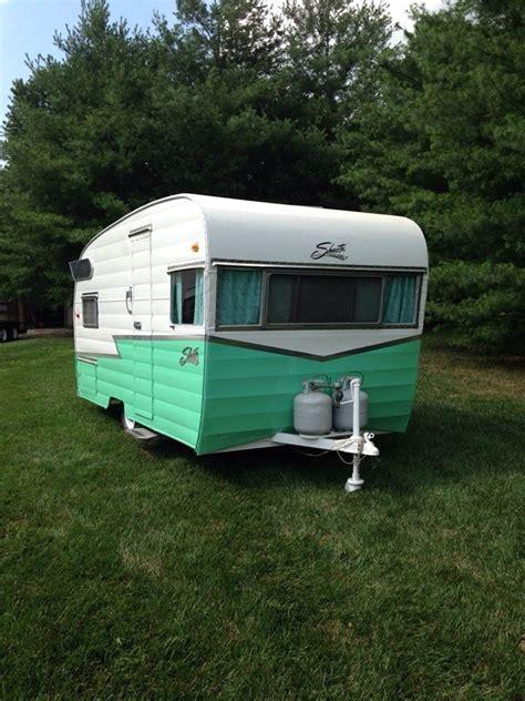 vintage caravan paint colours 1959 shasta cer mint color painting lulu this color scheme with a little trim lulu
