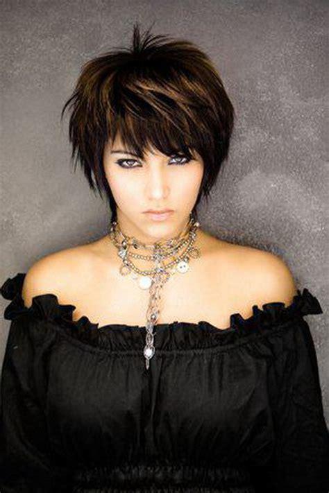 modeles de coiffure coupes courtes femme etre belle