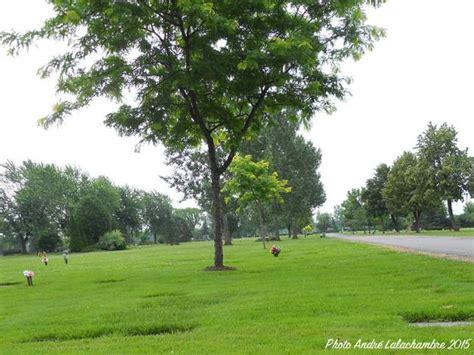 Les Cimetières Du Quebec  Laval  Laval  Jardin Laval