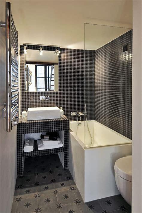salle de bain studio studio avec terrasse sous les toits 1er