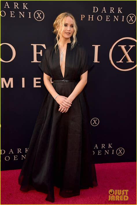 jennifer lawrence raves   fiance  dark phoenix