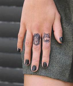 Tatouage Simple Homme : tatouage doigt femme et homme petites id es grand ~ Melissatoandfro.com Idées de Décoration