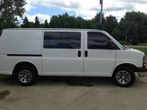 Purchase Used Chevy Express 1500 Awd Cargo Van In