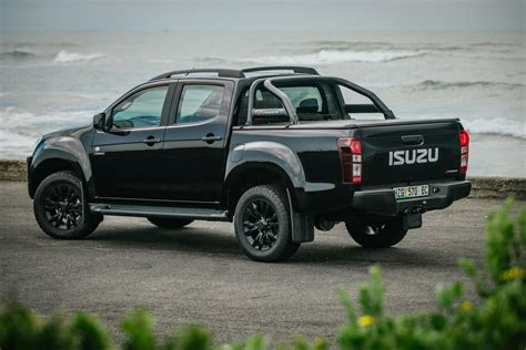 Isuzu Picture by Isuzu Adds X Rider Black 4x2 To Kb Range Cars Co Za