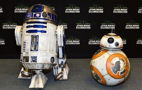BB-8 vs R2-D2: Who's better?