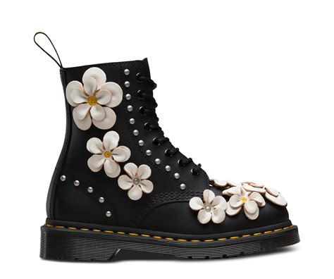 pascal flower   eye boots  official  dr martens store