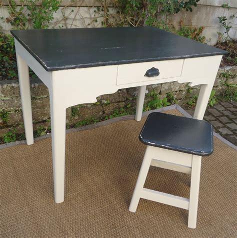 bureau peint très original et séduisant petit bureau d 39 appoint idéal