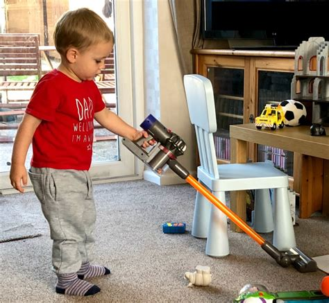 Casdon Little Helper Dyson Cordfree Vacuum Cleaner Toy