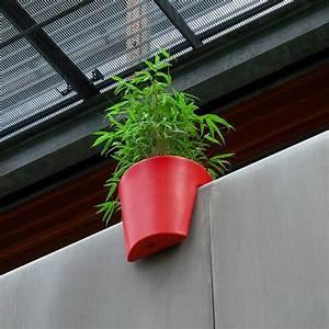 Bac A Fleur Balcon : le pot de fleurs steckling l 39 accessoire moderne pour le balcon poteries et bacs plantes ~ Teatrodelosmanantiales.com Idées de Décoration