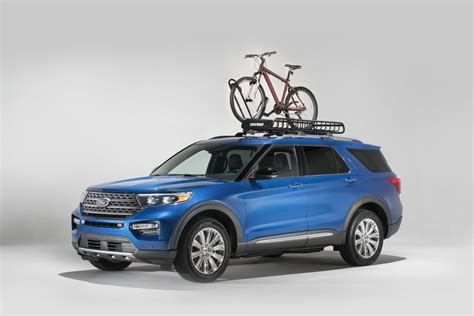 ford explorer  yakima accessories  outdoorsy