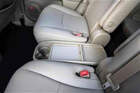 Toyota Highlander 2012 Captains Chairs by 2012 Toyota Highlander Reviews Autoblog And New Car Test